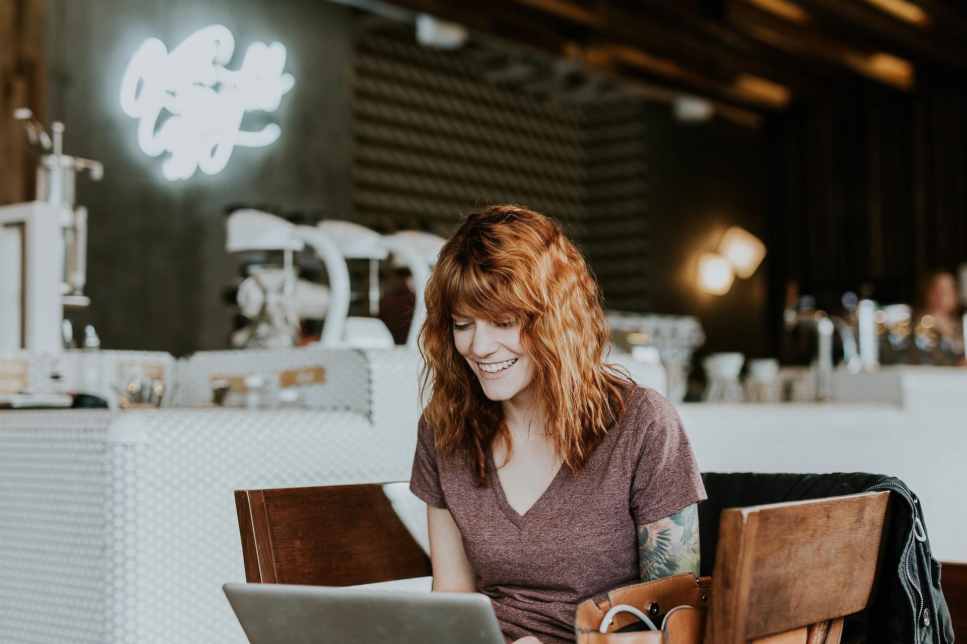Waarom korte zinnen in online teksten beter scoren?